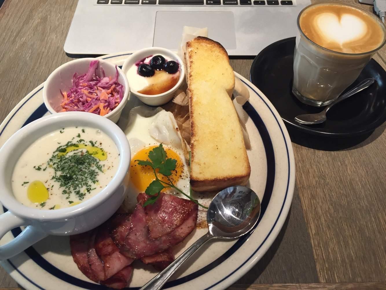 """町田でモーニングするなら """"THE CAFE""""がオススメ! – Wi-Fi+電源完備のおしゃれカフェ♪【町田カフェ】"""