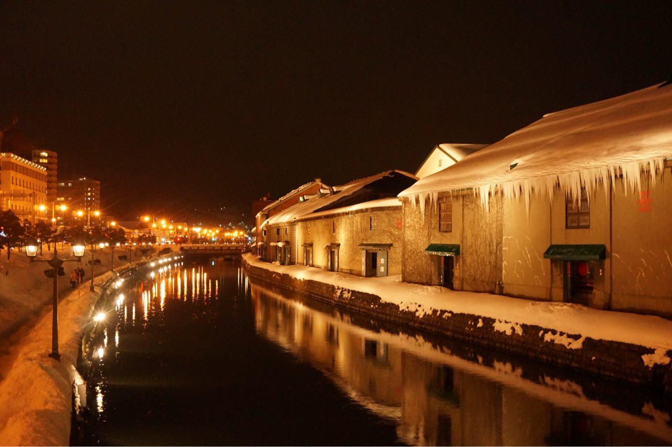 冬の小樽運河の幻想的なライトアップが美しい+小樽ビールを堪能♪【日本一周鉄道旅行記その13】