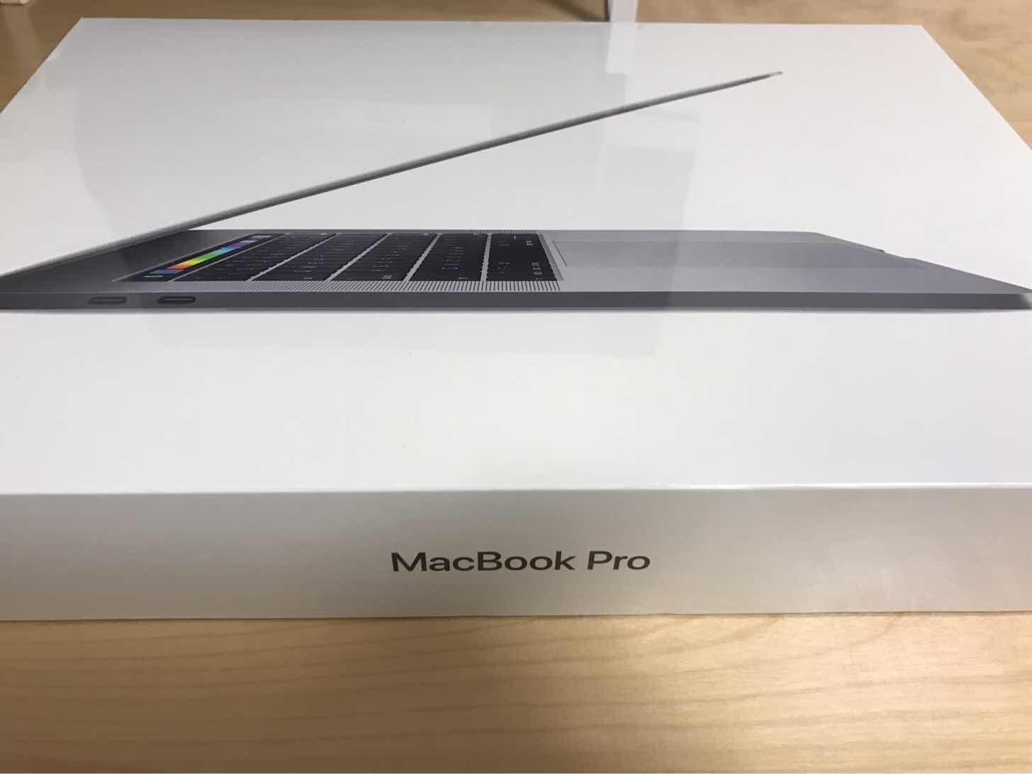 MacBook Pro2017 15インチTouch Barモデルを購入!MacBook Airから乗り換え→Retinaディスプレイに感動!!