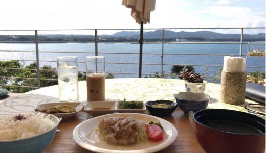 レンタカー借りて沖縄北部ドライブ♪古宇利島の海沿いカフェのテラス席をひとり占めした1日【ぶっちーの日常】
